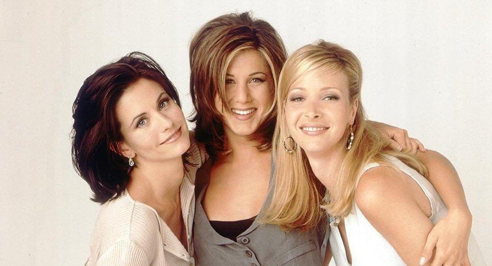 Friends Monica, Rachel, Phoebe