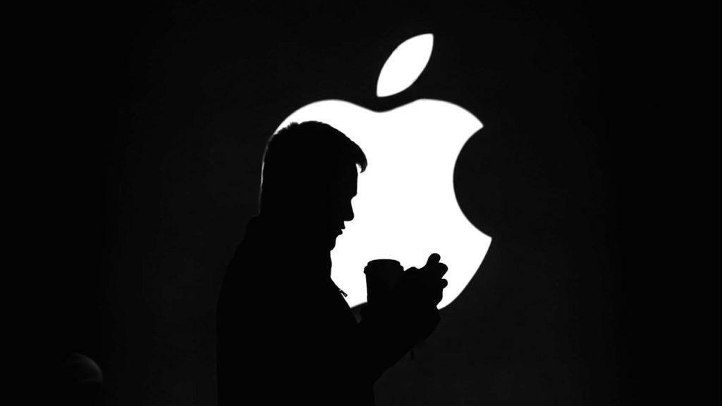 Apple iPhone man