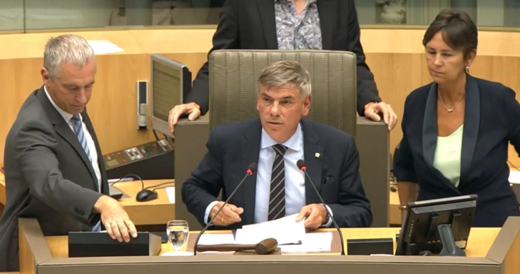 Filip Dewinter als waarnemend parlementsvoorzitter