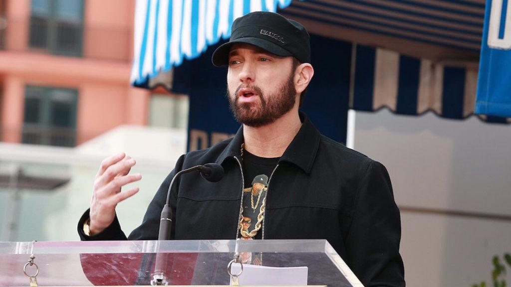 Eminem vraagt fans om in 'Godzilla Challenge' even snel als hem te rappen