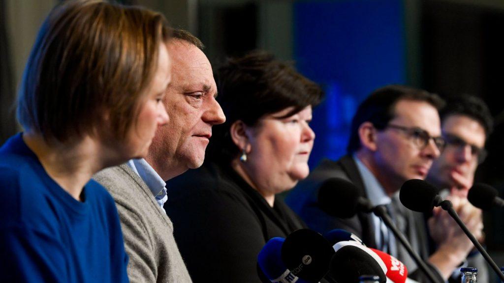 Erika Vlieghe, Marc Van Ranst, Maggie De Block (Open Vld), Wouter Beke (CD&V) en Steven Van Gucht