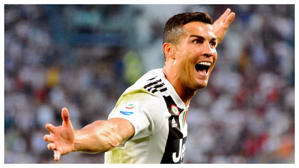 ronaldo is de eerste voetballer die miljardair is