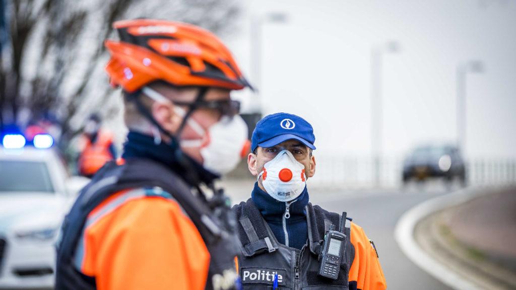 Politie moest afgelopen weekend veel pv's uitschreven wegens overtredingen van coronamaatregelen.