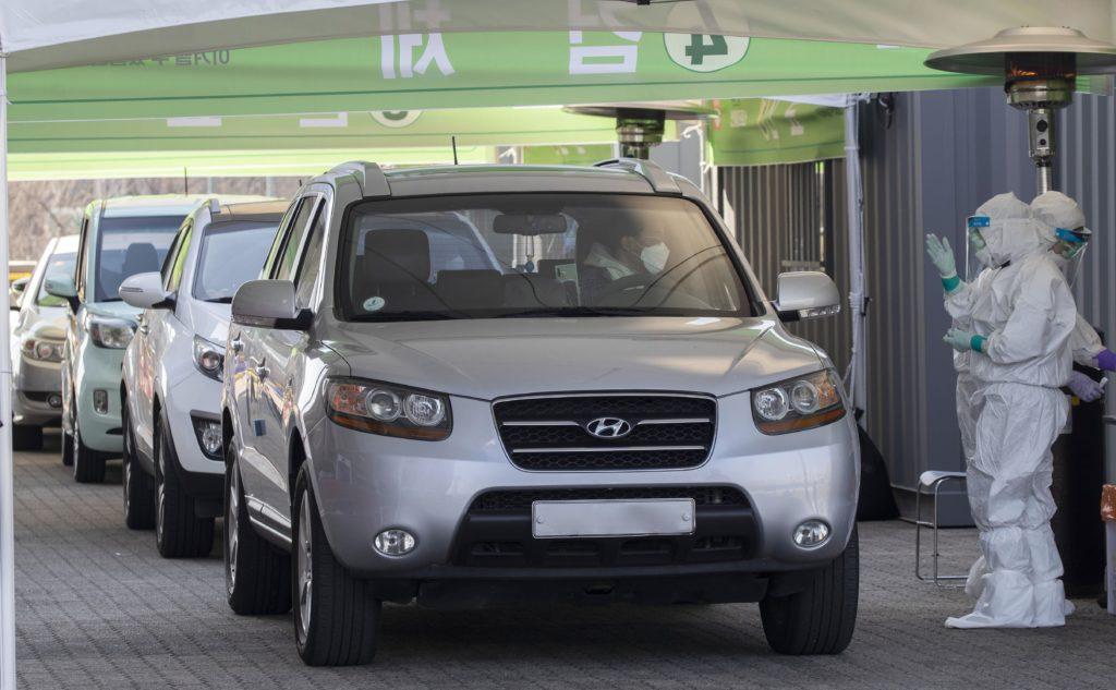 Drive-through corona test Zuid-Korea