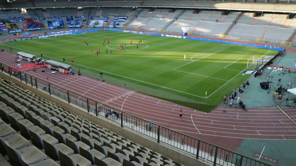voetbalstadia meer dan 400 toeschouwers
